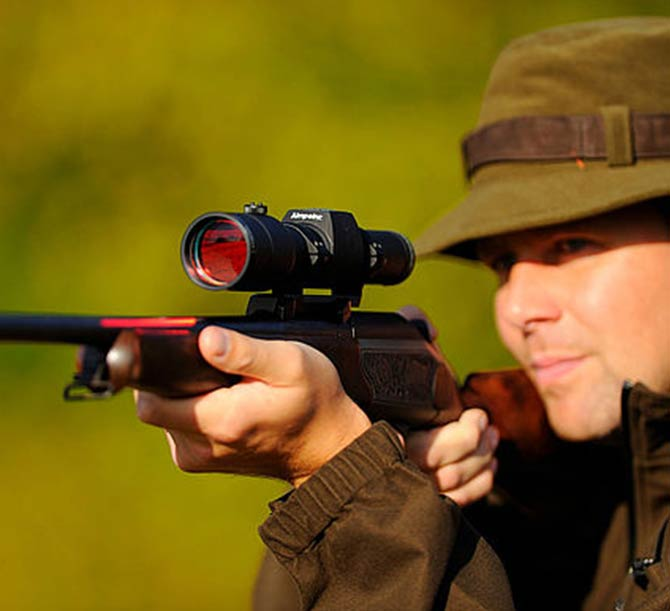Point rouge Aimpoint Hunter sur carabine